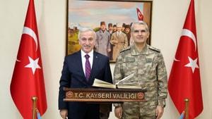 4. Kolordu Komutanı Korgeneral Sivri Vali Kamçı'yı ziyaret etti