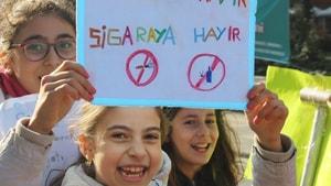 Denizli'de öğrenciler 'bağımlılığa' karşı yürüdü