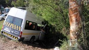 Adana'da trafik kazası: 1'i ağır 13 öğrenci yaralı