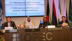 OPEC, petrol üretimini kısma kararını 9 ay daha uzattı