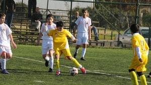 Çocuklar için ücretsiz futbol eğitimi