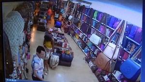 İngiliz turistler hırsızlık iddiasıyla gözaltında