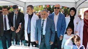 """Büyükkılıç: """"Birileri Osmanlı düşmanlığı yapabilir ama biz tarihimizle gurur duyuyoruz"""" dedi."""