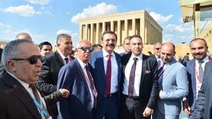 Ayvalık Ticaret Odası, TOBB Başkanı Hisarcıklıoğlu ile birlikte Ata'nın huzurunda