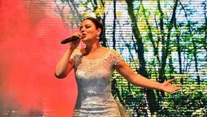 Üne'de Zara konseri