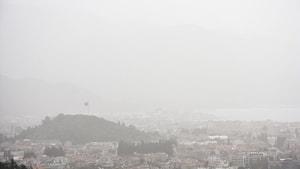 Marmaris toz bulutu altında