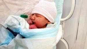 Yeni doğan bebeği terk ettiler