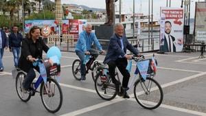 Acar'ın bisikletli seçim kampanyası
