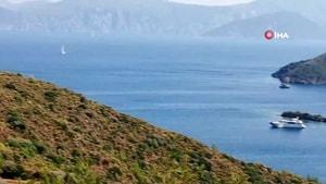 Marmaris'in eşsiz koyları milyonluk yatları ağırlıyor
