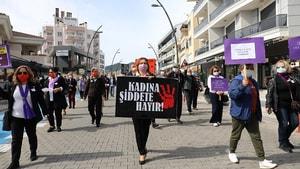 MARMARİS'TE KADINLAR MEYDANLARDAYDI