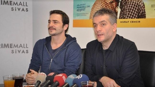 Ahmet Kural ve Murat Cemcir Sivas'ta hayranlarıyla buluştu