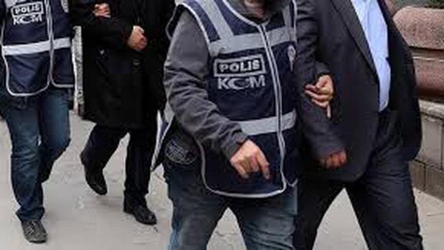 11 asker gözaltına alındı