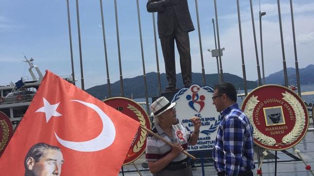 Yaşlı adamın Atatürk sevgisi