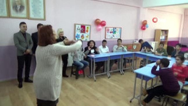 Engelli öğrenciler için oyun odası açıldı