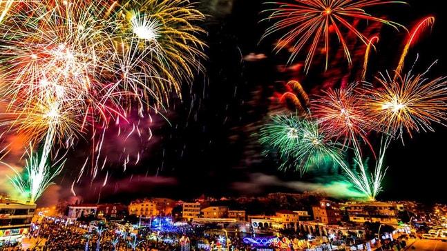 Meydanda yeni yıl kutlaması