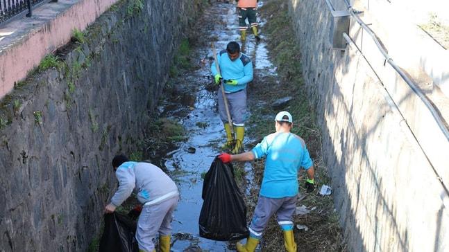 Kuvvetli yağış öncesi dereler temizleniyor