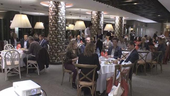 CHP kadınlar için gala yemeği düzenledi