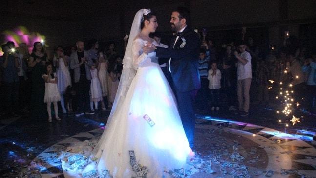 Diyarbakır'da siyaset ve iş dünyasını buluşturan düğün