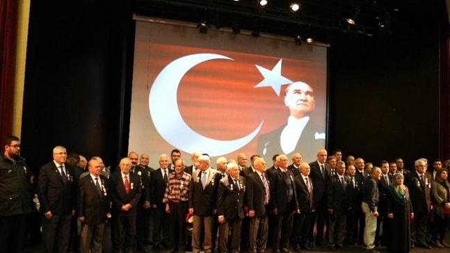 Marmarisli Kıbrıs gazilerine madalyaları teslim edildi