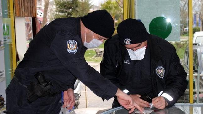 Gazinin alışveriş listesi polisi market market gezdirdi