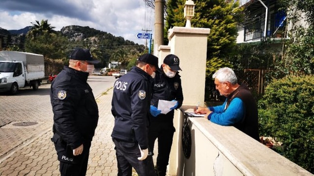 Marmaris'te sokağa çıkamayanların talepleri anında karşılanıyor