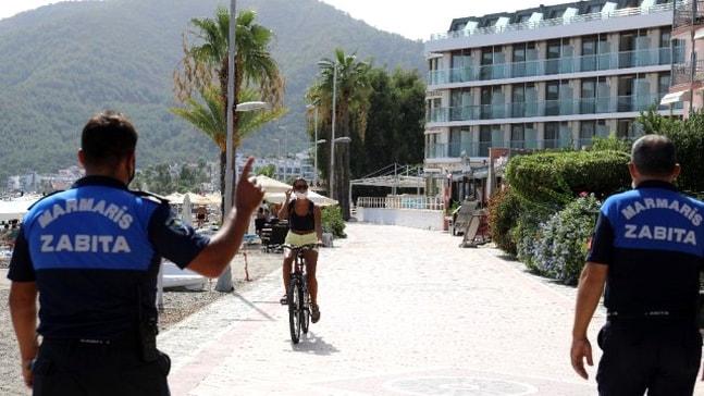 Marmaris'te turistlere maske uyarısı