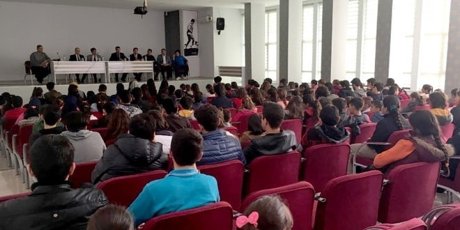 Milas'ta öğrenciler sorunlarını dile getirdi