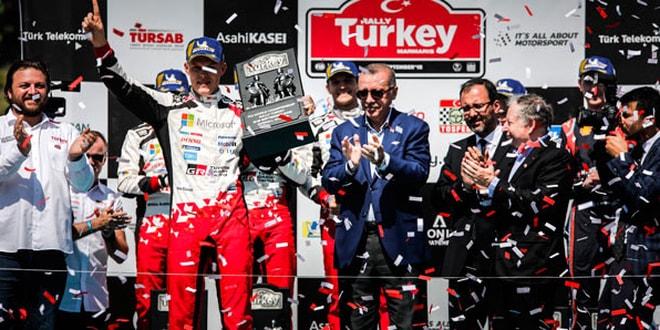 Şampiyonlar Ödüllerini Cumhurbaşkanı Erdoğan'dan Aldı