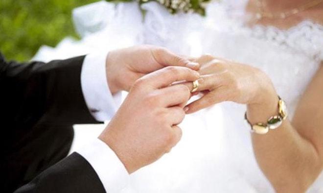 Marmaris'te 12 çift bugün evlendi